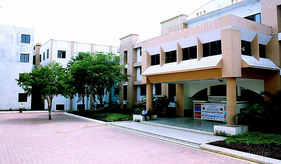 SND College of Engineering and Research Centre Yeola, Nashik